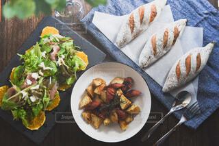 食べ物,食事,野菜,皿,サラダ,朝,たくさん,料理,朝ごはん,おつまみ,ファストフード,ジャーマンポテト,ジョンソンヴィル