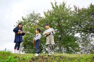 子ども,屋外,ウクレレ,子供,楽器,音楽,少年
