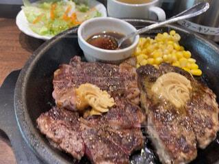肉食系女子のガッツリお昼ご飯の写真・画像素材[4349938]