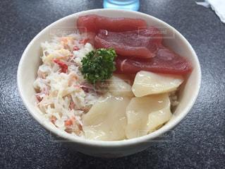 食べ物,ご飯,海鮮丼,カニ,マグロ,グルメ,どんぶり,美味い,丼物,イカ