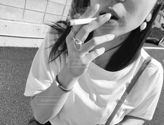selfie を取っている若い女の子 - No.719236