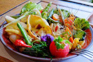 食べ物,カフェ,食事,ランチ,パン,テーブル,野菜,皿,サラダ,料理,埼玉,大宮,アトリエマド