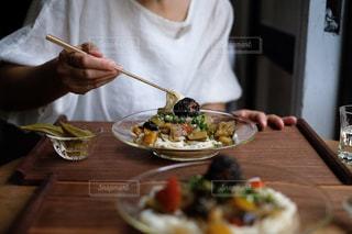 梅煮野菜の温麺プレートの写真・画像素材[1282731]