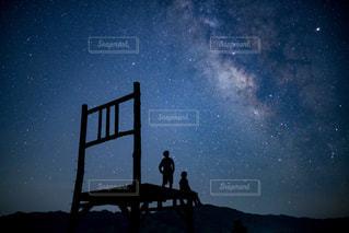 2人の天の川の写真・画像素材[2277327]