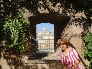 庭園の少女の写真・画像素材[724199]