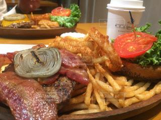 食べ物,ランチ,ハンバーガー,昼食,肉,クア・アイナ