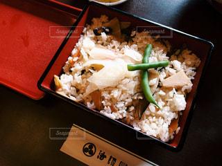 皿のご飯とブロッコリー料理の写真・画像素材[848625]