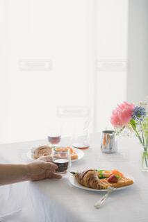 朝食とコーヒーの写真・画像素材[4339115]