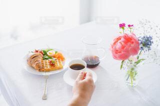 朝食とコーヒーの写真・画像素材[4339114]