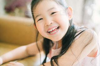 笑顔の女の子の写真・画像素材[4610594]