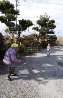 ひいおばあちゃんと遊べるって幸せ!の写真・画像素材[2434707]