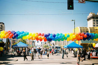 通りを歩く人々 のグループの写真・画像素材[725496]
