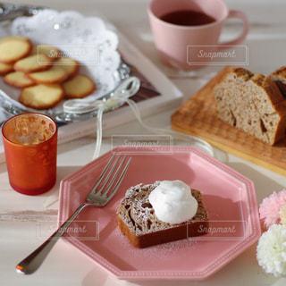 甘酒とほうじ茶のパウンドケーキの写真・画像素材[821371]