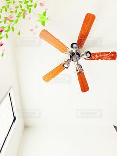 壁に掛かっている時計 - No.1021245