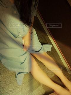 女性,お部屋,室内,影,撮影,リラックス,脚,フィルム,お休み,フィルム写真,部屋着,フィルムフォト