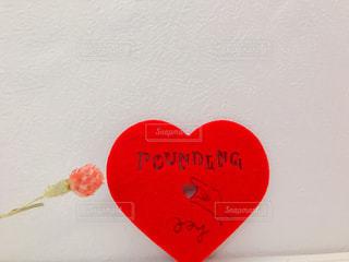可愛いハートとお花の写真・画像素材[2982585]