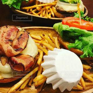 食べ物,ランチ,ハンバーガー,ワンプレート,美味しい,ポテト,難波パークス