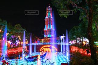 クロック タワーは夜ライトアップ - No.770386