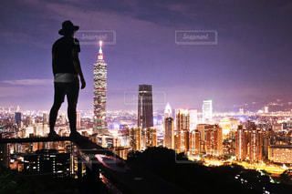 夜の街の景色の写真・画像素材[915826]