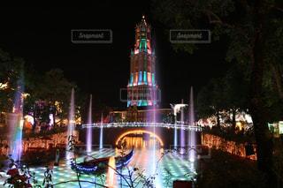 クロック タワーは夜ライトアップの写真・画像素材[919007]