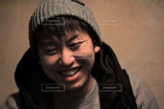 カメラに微笑んでの写真・画像素材[1016053]