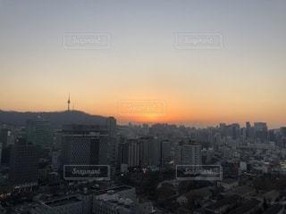 冬の夕焼けの写真・画像素材[958377]