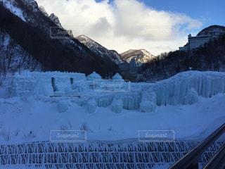 北海道 層雲峡温泉 氷瀑まつりの写真・画像素材[883901]