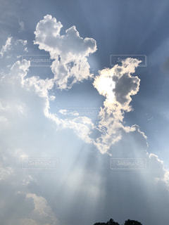 空には雲のカップルの写真・画像素材[1467949]