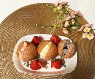 皿の上の食べ物の写真・画像素材[800095]