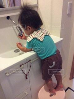 子ども,手洗い,洗面台