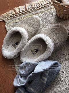 ルームシューズと靴下とラグ - No.898231