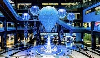 冬,気球,イルミネーション,クリスマス,クリスマスツリー,グランフロント,グランフロント大阪,グランフロントクリスマス,Grand Wish Christmas 2020,Winter Voyage Tree,「Winter Voyage -世界を繋ぐ希望の旅-」