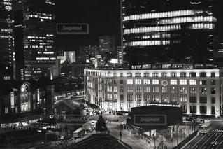 都市の黒と白の写真の写真・画像素材[1703968]