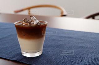 夏,COFFEE,屋内,アイスコーヒー,テーブル,珈琲,カフェオレ,ドリンク,冷たい,さっぱり,冷んやり,暑さ対策