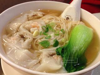 台湾,ラーメン,麺類,ワンタン,チンゲンサイ
