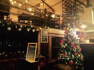 スリランカ、おしゃれなレストランのクリスマス ツリーの写真・画像素材[940687]