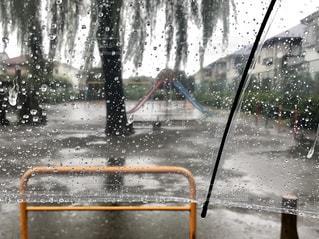 公園,雨,傘,東京,すべり台,iphone,rain,あめ,梅雨,雨粒,ビニール傘,かさ