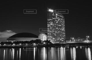 ヤフオクドームとヒルトンの夜景の写真・画像素材[854633]