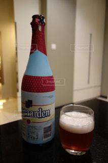 ベルギービール ヒューガルデン レッドの写真・画像素材[956373]