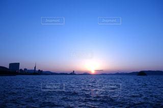 福岡西区 シーサイドももちの夕焼けの写真・画像素材[977601]