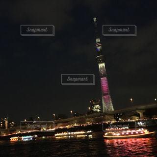 夜の街の景色の写真・画像素材[740090]