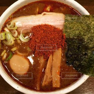 近くにスープのアップの写真・画像素材[740300]