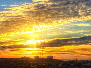 秋,朝日,雲,オレンジ,光,朝,秋空,金色