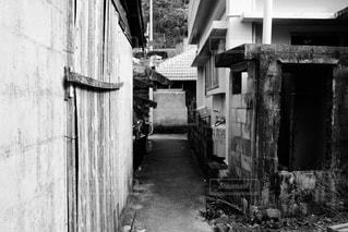 近くに古い建物のアップ - No.854504