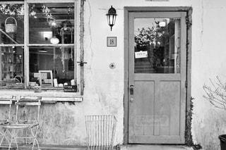建物の白と黒の写真 - No.854530