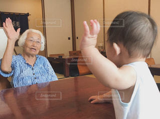 曾祖母と曽孫。の写真・画像素材[1466737]