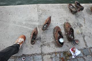 ブダペスト、ドナウ川岸の靴の写真・画像素材[928739]