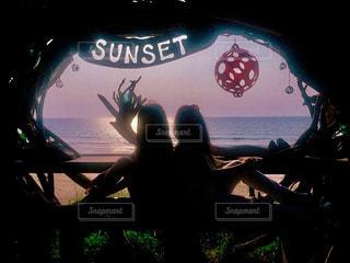 自然,海,空,夕日,太陽,夕陽,サンセット,ジェスチャー