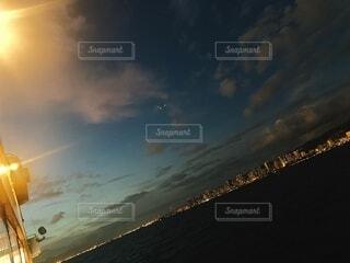 海,空,屋外,ビーチ,雲,夕暮れ,船,水面,ハワイ,エモーショナル,紺