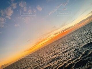 海,空,屋外,ビーチ,雲,夕焼け,夕暮れ,水面,オレンジ,ハワイ,地平線,サンセット